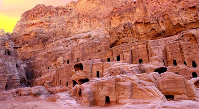 Geography Trivia Question: Which city in Jordan is often called the 'Rose Red City'?