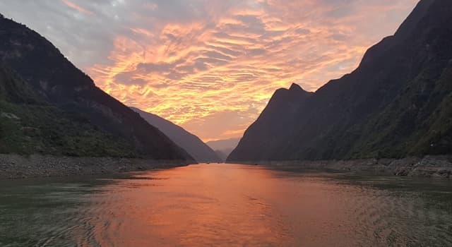 Geography Trivia Question: Which is the longest river in the world that flows entirely within one country?