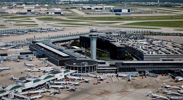 History Trivia Question: Which jet airliner had its first flight from Chicago-to-Denver on September 8, 1982?