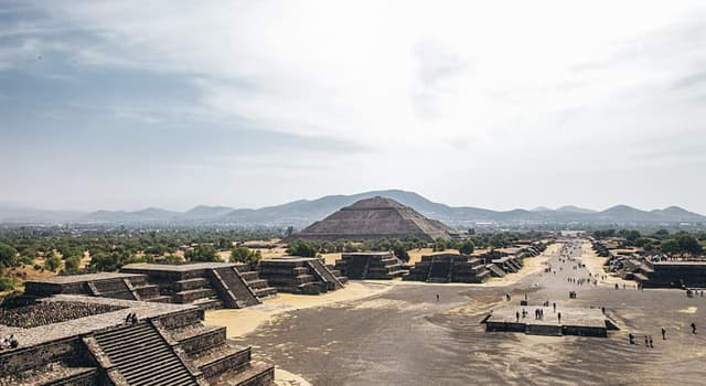 History Trivia Question: Who ruled the Aztec empire when the Spanish invaders began their conquest?