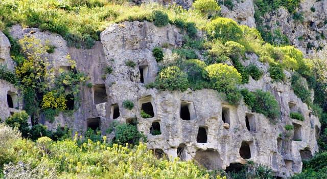 Geographie Wissensfrage: Wo befindet sich die Nekropolis von Pantalica?