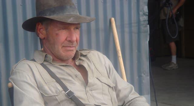 """Film & Fernsehen Wissensfrage: Womit kamen Jones und sein Vater in """"Indiana Jones und der letzte Kreuzzug"""", nach Berlin?"""