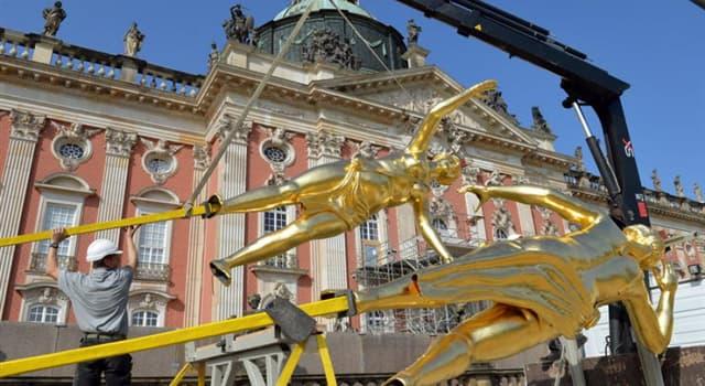 Geschichte Wissensfrage: Auf welchem Schloss in Potsdam stehen die Drei Grazien?
