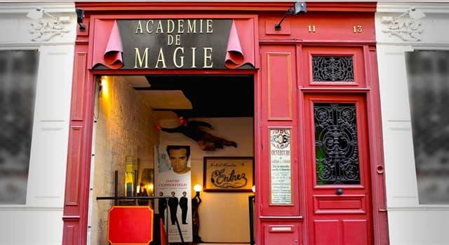 Культура Запитання-цікавинка: Де знаходиться музей магії, зображений на фото?