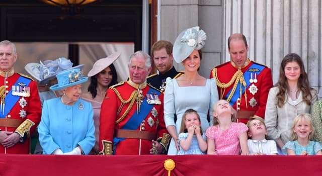społeczeństwo Pytanie-Ciekawostka: Książę Henryk z Walii, który urodził się 15 września 1984 r., jest znany pod jakim imieniem?