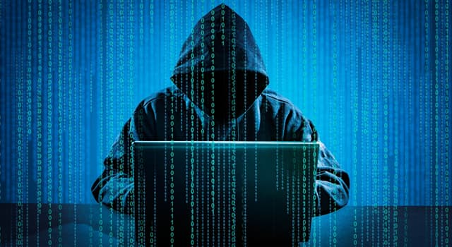 Суспільство Запитання-цікавинка: Хто став першим неповнолітнім, відправленим у в'язницю за «хакерство» в США?