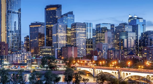 """Geografia Pytanie-Ciekawostka: Która stolica jest znana jako """"Wieczne miasto""""?"""