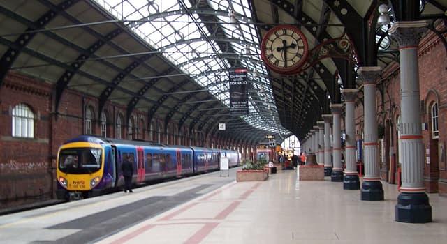 społeczeństwo Pytanie-Ciekawostka: Który dworzec kolejowy jest największym na świecie pod względem liczby peronów?