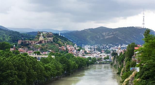 Географія Запитання-цікавинка: На березі якої річки розташований Тбілісі?