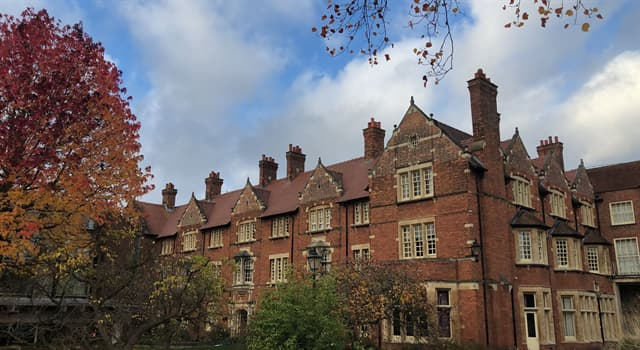 Society Trivia Question: Somerville College is one of the constituent colleges of which university?