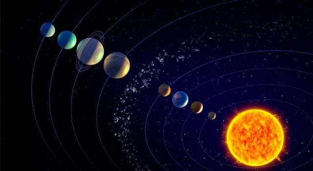 Історія Запитання-цікавинка: У 1921 році рознеслася чутка про те, що одна з планет позбулася своїх кілець. Яка?