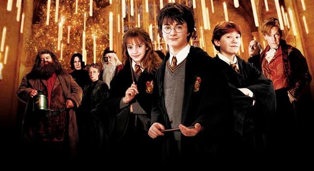 Kultura Pytanie-Ciekawostka: W kształcie czego ma bliznę na swoim czole Harry Potter?