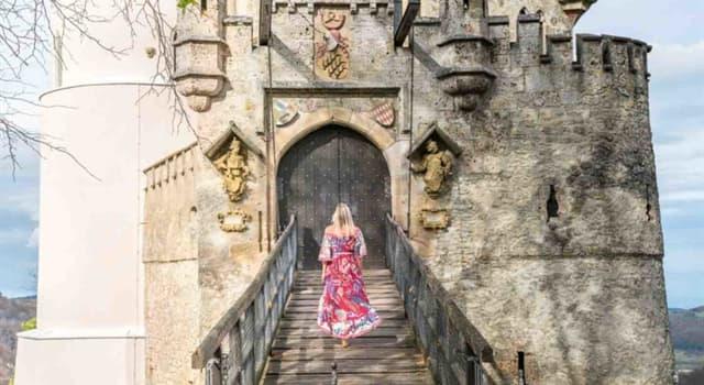 Geographie Wissensfrage: Welche dieser Burgen liegt am Rande des Wienerwaldes?