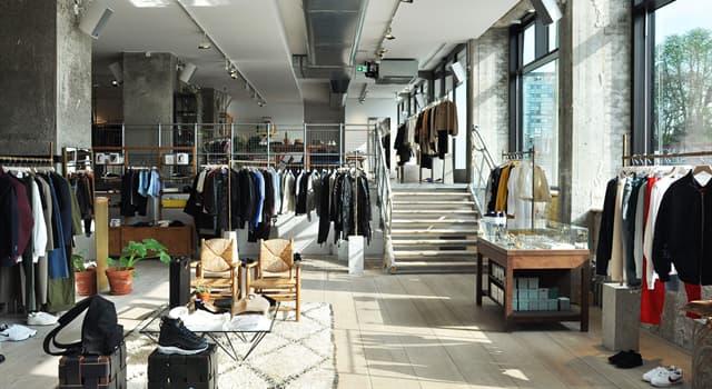 Kultur Wissensfrage: Welche Waren werden vom malaysischen Modedesigner Jimmy Choo hergestellt?