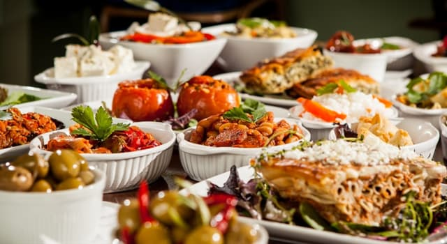 Kultur Wissensfrage: Welche Zutat ist kein Bestandteil eines traditionellen griechischen Salats?