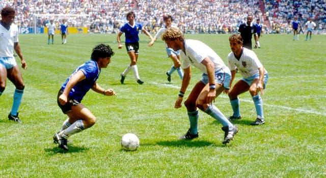 Sport Wissensfrage: Welcher war der erste europäische Fußballclub, in dem Diego Maradona spielte?