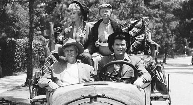 """Movies & TV Trivia Question: Which actor/actress did not appear in all 274 episodes of """"The Beverly Hillbillies""""?"""
