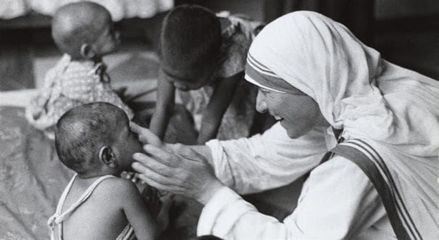 społeczeństwo Pytanie-Ciekawostka: Z którym indyjskim miastem związana była Matka Teresa?