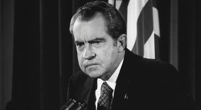 Movies & TV Trivia Question: In 1977, which broadcaster conducted a series of interviews with former US president Richard Nixon?