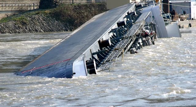 Geography Trivia Question: In which year did a sulphuric acid tanker capsized near the Lorelei rock on Rhine river?