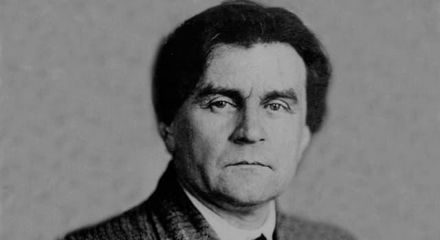 Культура Запитання-цікавинка: Який ще квадрат, крім чорного і білого, написав Казимир Малевич?