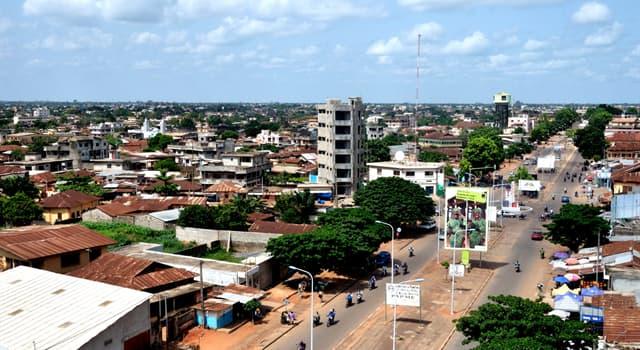 Географія Запитання-цікавинка: Яке місто є офіційною столицею Республіки Бенін?
