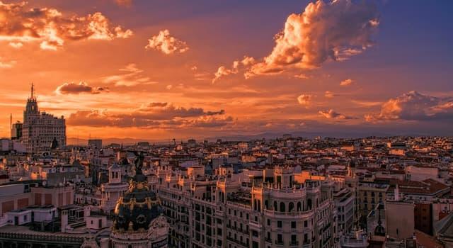 Географія Запитання-цікавинка: Яке місто є столицею Іспанії?