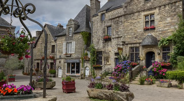 Geography Trivia Question: In which country is the region of Brittany?