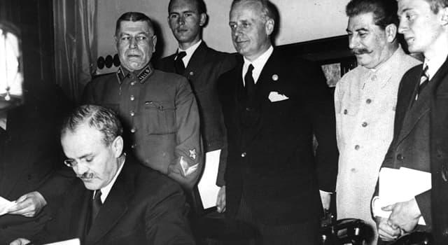 Історія Запитання-цікавинка: В якому році був укладений радянсько-французький пакт про ненапад?