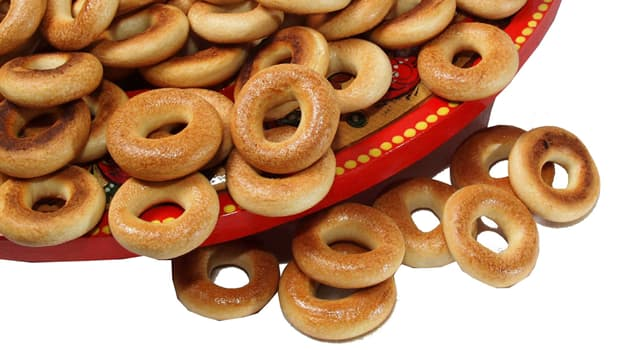 Culture Trivia Question: What are these Eastern European sweet bread rings called?