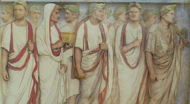 History Trivia Question: What was recognized as formal wear for Roman citizen men?
