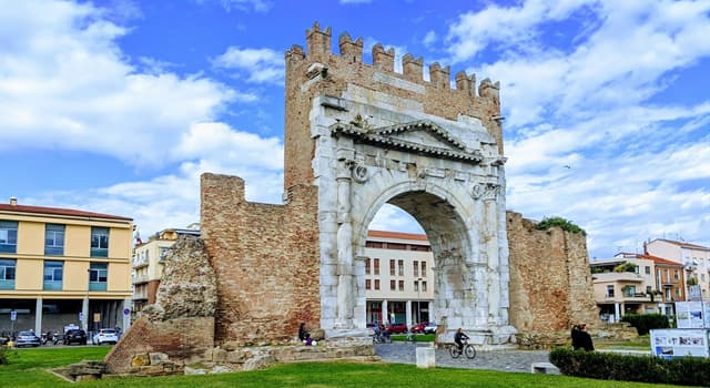 Culture Trivia Question: Which arch is in the picture?