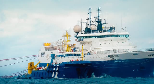 Science Trivia Question: Which is a navigation tool mariners use to estimate the speed of a vessel through the water?
