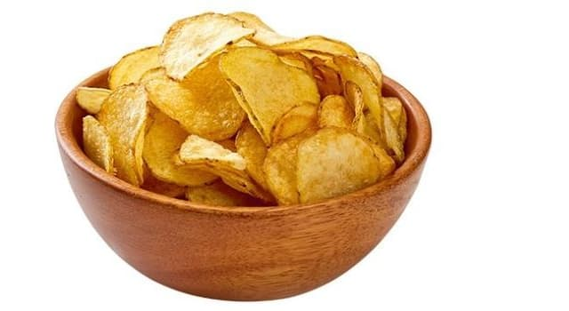 History Trivia Question: Who was credited as being the originator of potato chips (U.S. English) or crisps (British English)?