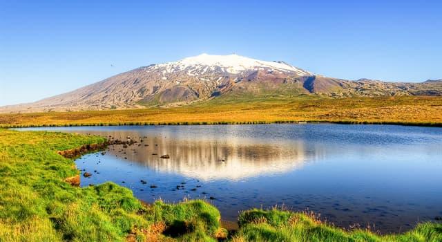 Географія Запитання-цікавинка: Де знаходиться тривалий час неактивний щитової вулкан Снайфедльс?
