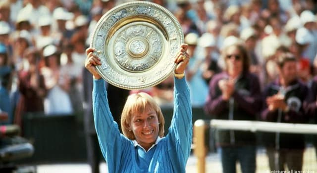 Sport Trivia Question: How many years were between Martina Navratilova's first and last major tennis title wins?