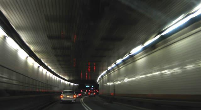 Geografía Pregunta Trivia: ¿En qué ciudad está el túnel Holland?