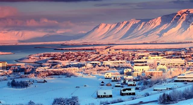 Географія Запитання-цікавинка: Яке місто є столицею Ісландії?