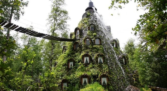 Geography Trivia Question: Where is this hotel?