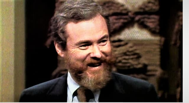 Movies & TV Trivia Question: Which film was not directed by Alan J. Pakula?