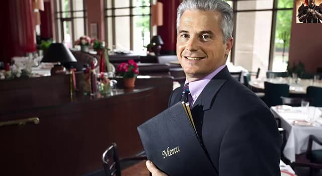 Society Trivia Question: Who greets customers and supervises the wait staff in restaurants?