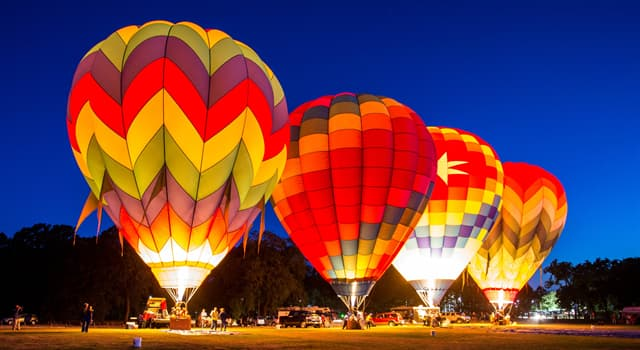 History Trivia Question: Who was the first person to make a solo flight across the Pacific Ocean in a balloon?