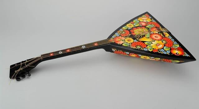 Культура Запитання-цікавинка: Як називається російський народний музичний інструмент з корпусом трикутної форми?