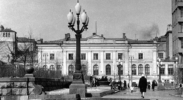 Культура Запитання-цікавинка: Якому знатного дворянського сімейства належав московський особняк відомий як «Будинок Фамусова»?