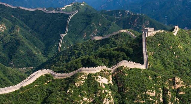Культура Запитання-цікавинка: Хто, згідно з легендою, вказав робочим напрямок і місце побудови Великої Китайської стіни?