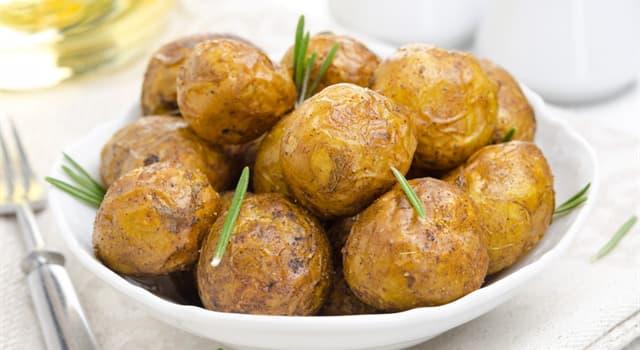 Культура Запитання-цікавинка: Як називають картопля, приготований цілком, без очищення від шкірки?