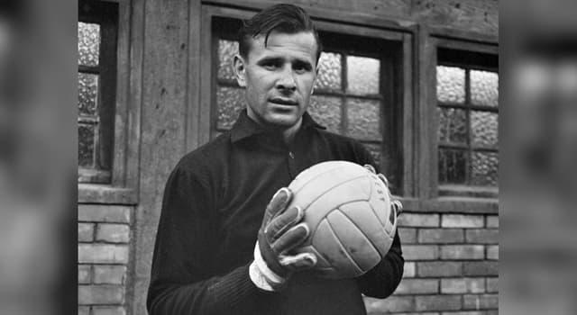 Спорт Запитання-цікавинка: Хто став єдиним воротарем в історії, який отримав «Золотий м'яч»?