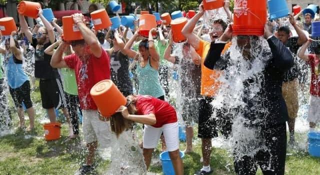 Sociedad Pregunta Trivia: ¿Sobre qué enfermedad se intentó generar conciencia con el Ice Bucket Challenge que se hizo viral en 2014?
