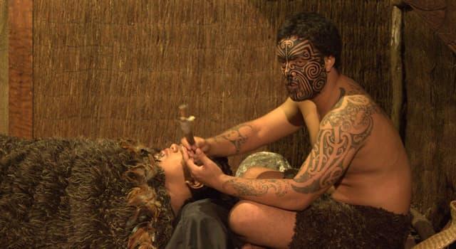 Cultura Pregunta Trivia: ¿Cómo se llaman los tradicionales tatuajes maoríes en Nueva Zelanda?