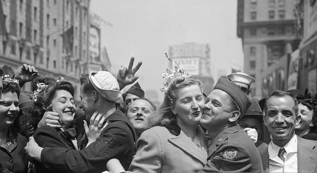 Historia Pregunta Trivia: ¿Qué ocurrió el 7 de mayo de 1945 en la ciudad francesa de Reims?